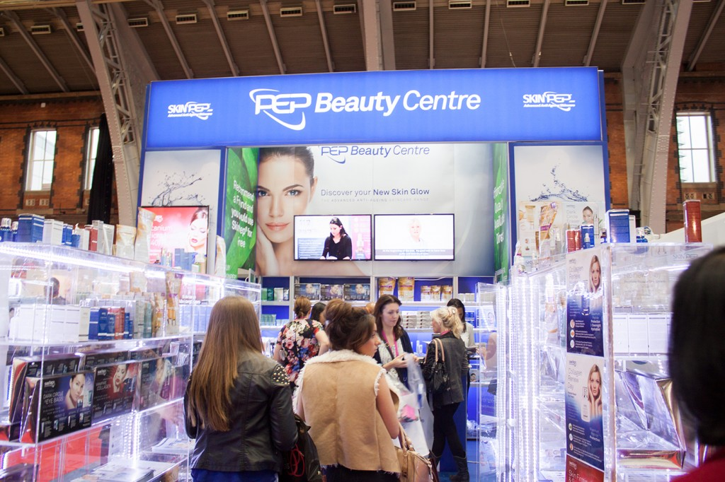 Professional Beauty North, Manchester, 19-20 October 2014 image33